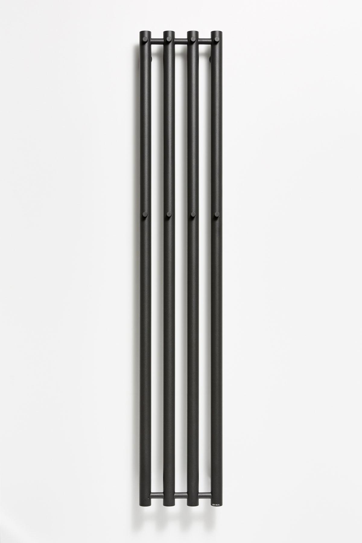 rosendal black structural color 1