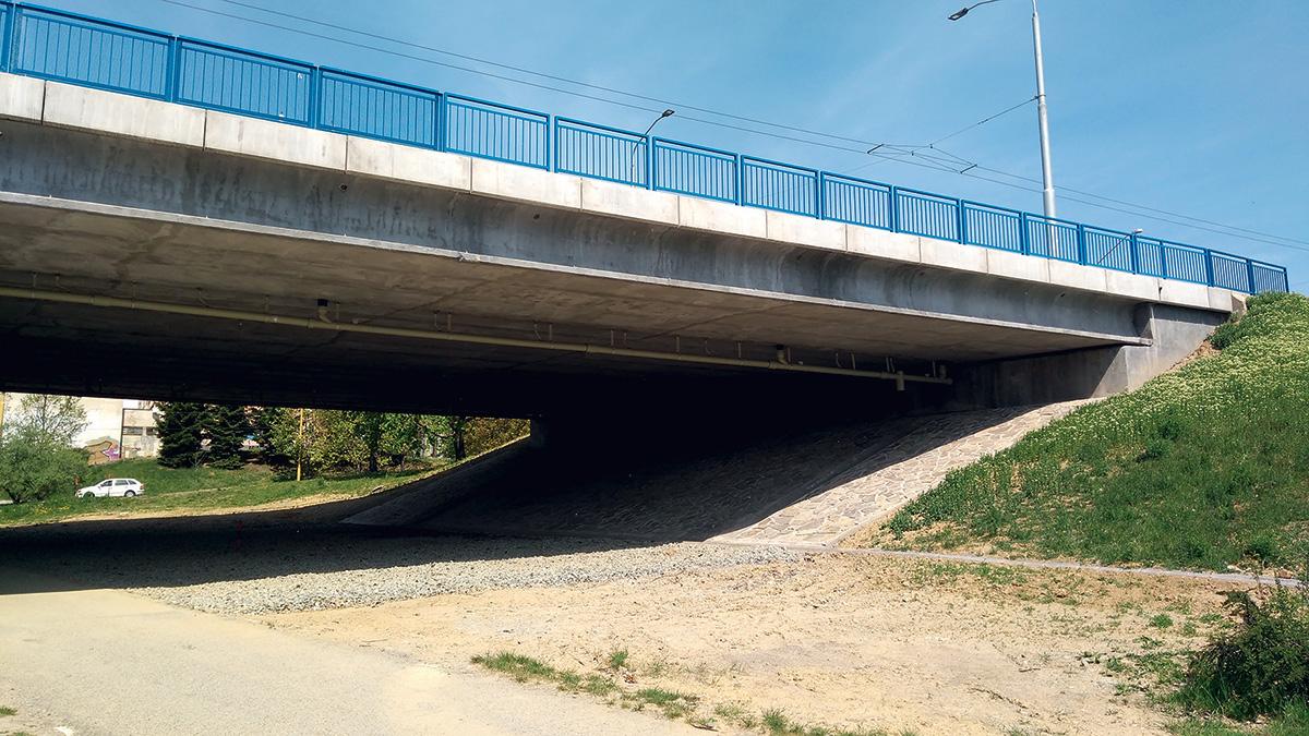 Čiastkový pohľad na most, realizované úpravy pod mostom