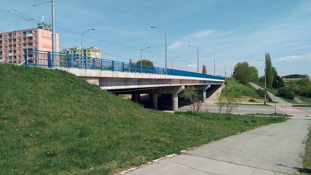 pohľad na most pred ukončením rekonštrukčných prác