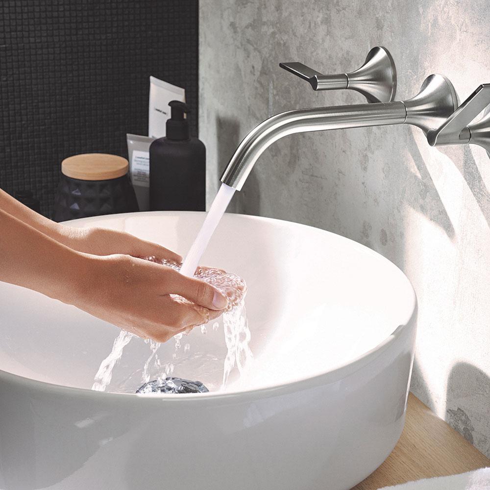 14 2018 Bathroom 02 F VariForm Washbasin Hotel.jpg SK sk orez low