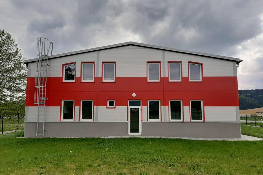 Výrobná hala s administratívnou od AVG
