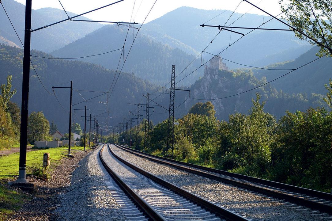 Železničná trať Vrútky – Varín