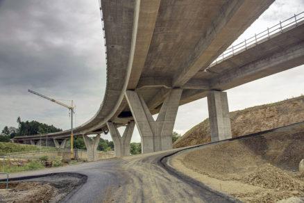 Obr. 8 Pohľad na mostný objekt 208-00