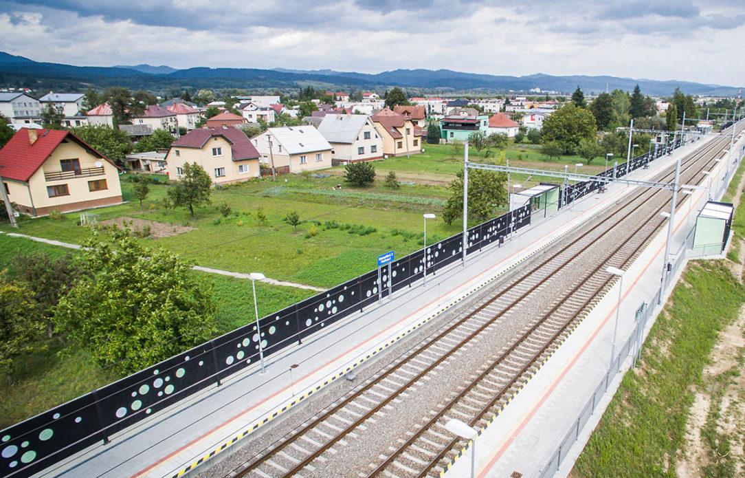 PHS noba kolor vrátane prístreškov na trati pri obciach Predmier a Plevník.