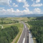 Letecký pohľad na úsek diaľnice realizovaný Spoločnosťou Doprastav a. s. od km 33000