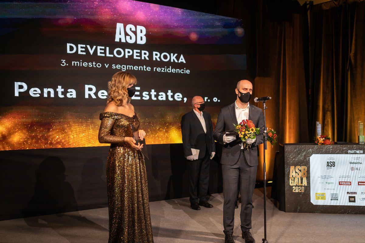Jarka Lajčáková – Hargašová; Juraj Nevolník, Penta Real Estate; Juraj Kvetko, Štátny fond rozvoja bývania