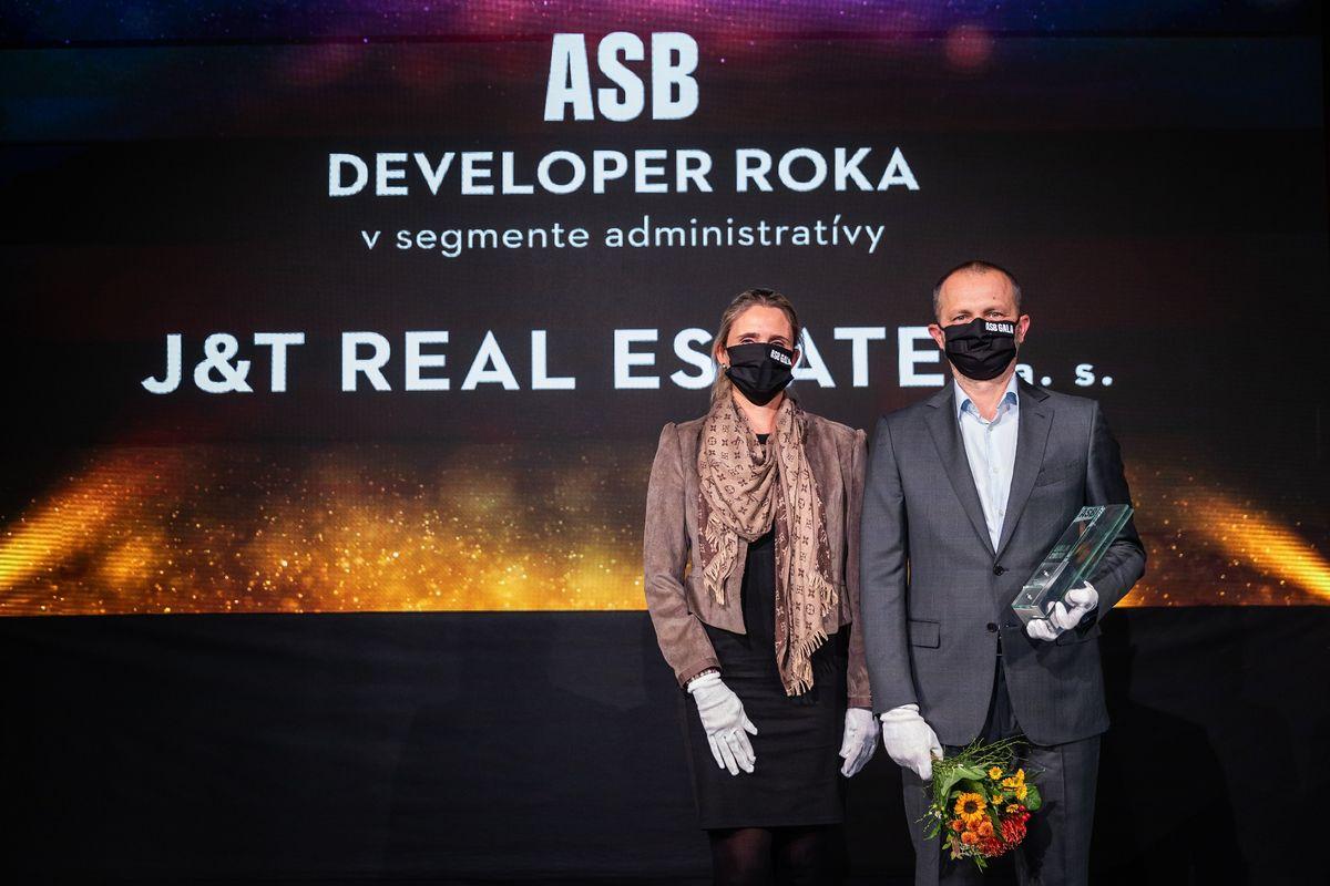 Jarmila Belicová, Schneider Electric Slovakia; Pavel Pelikán, J&T Real Estate