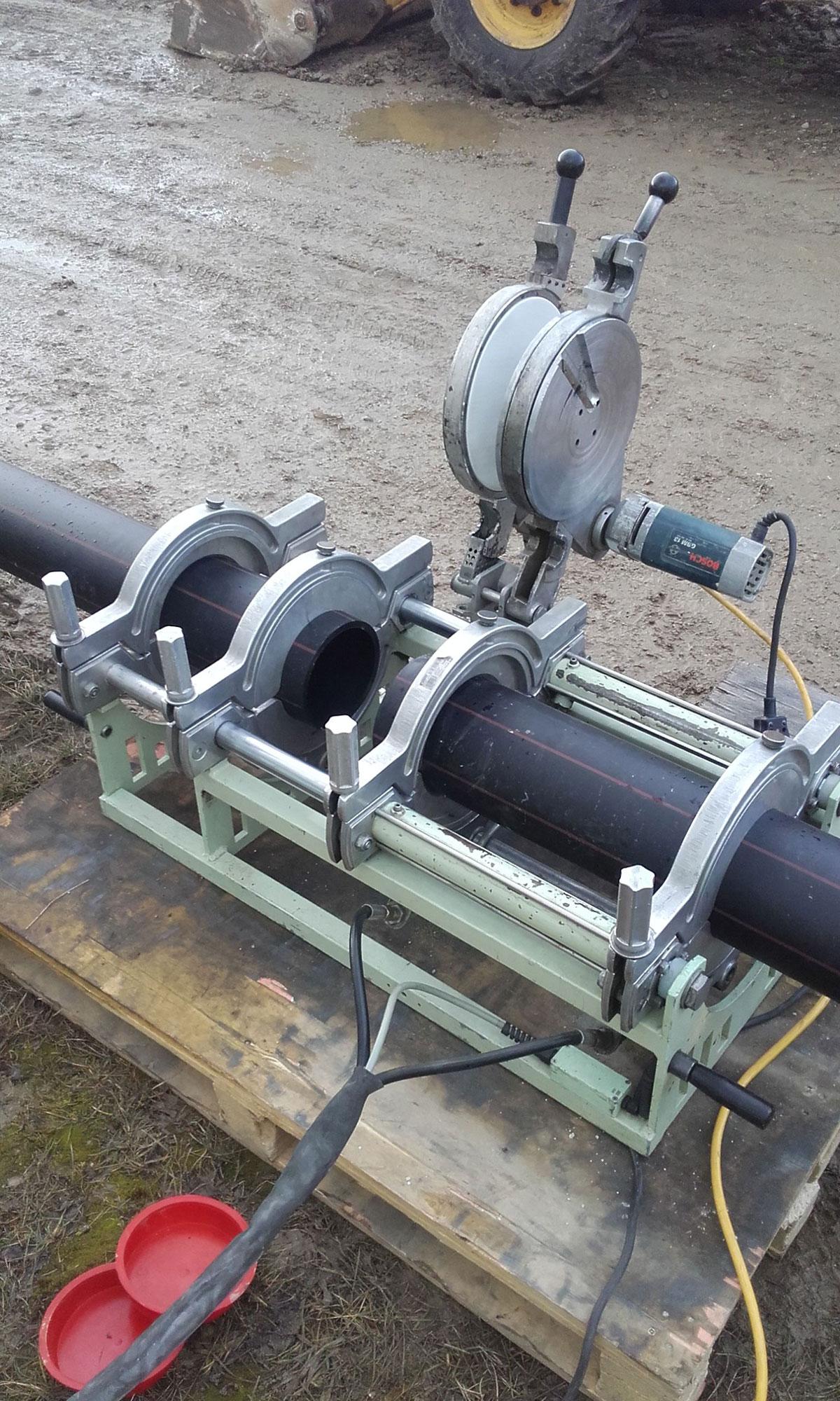 Zváranie HDPE potrubia na SO.04 – výtlačné potrubie V1