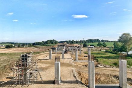 SO 203 Diaľničný most cez rieku Malšu v km 139,859 – realizácia pilierov spodnej stavby
