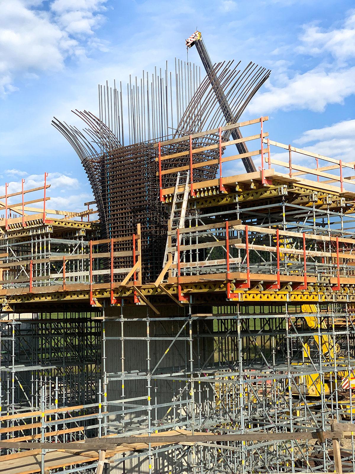 SO 209 Most cez údolie rieky Plavnice v km 144.750 – realizácia pilierov spodnej stavby