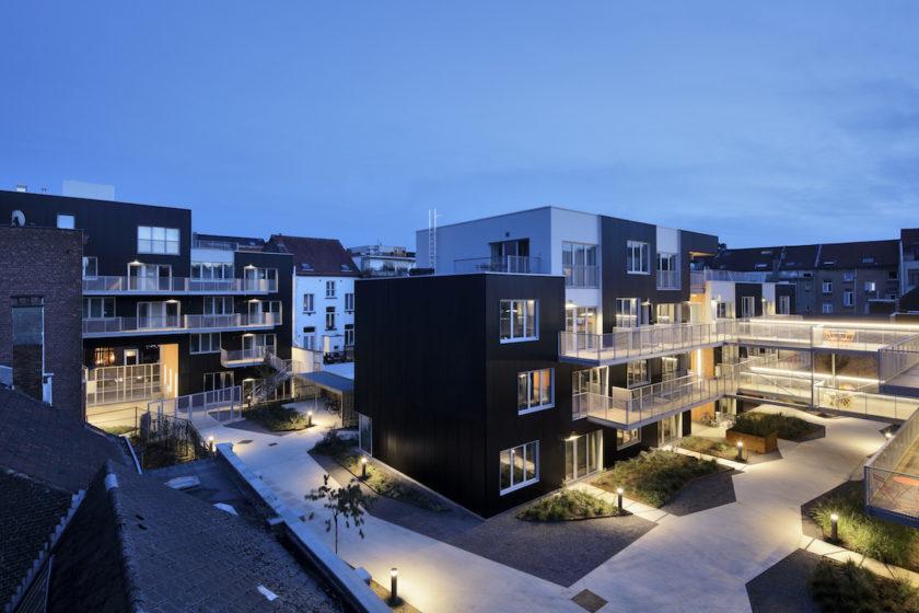 Na mieste pôvodne stáli sklady dreva. Transformácia na obytnú funkciu zvýšila kvalitu celého susedstva.