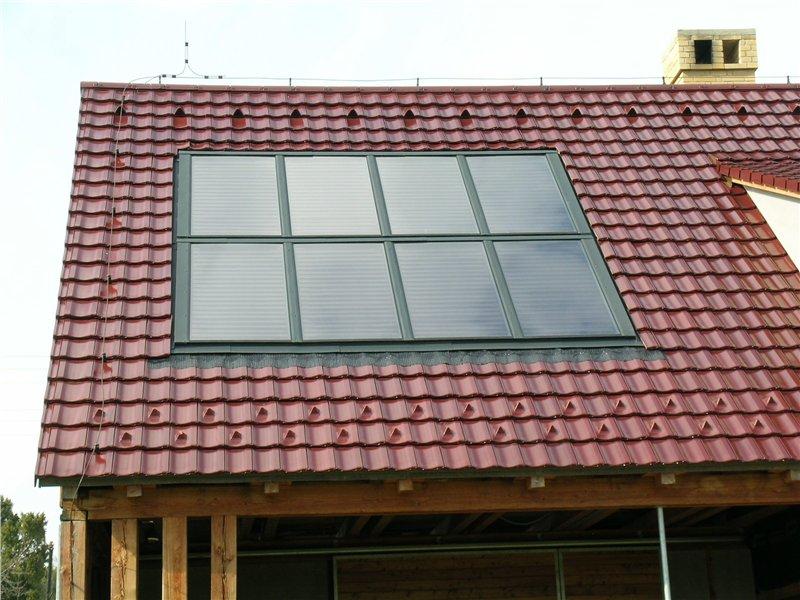 Solárne panely na šikmej streche