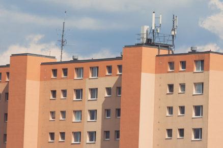 Zateplená panelová bytovka