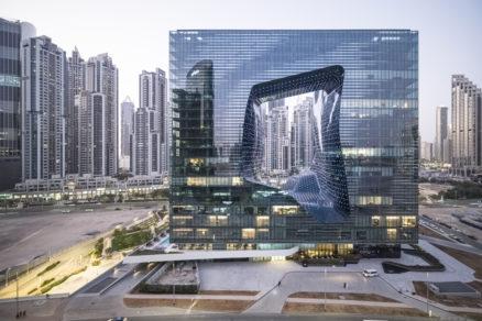 The Opus je jediným hotelom, vktorom zosnulá Zaha Hadid vytvorila architektúru aj interiér.