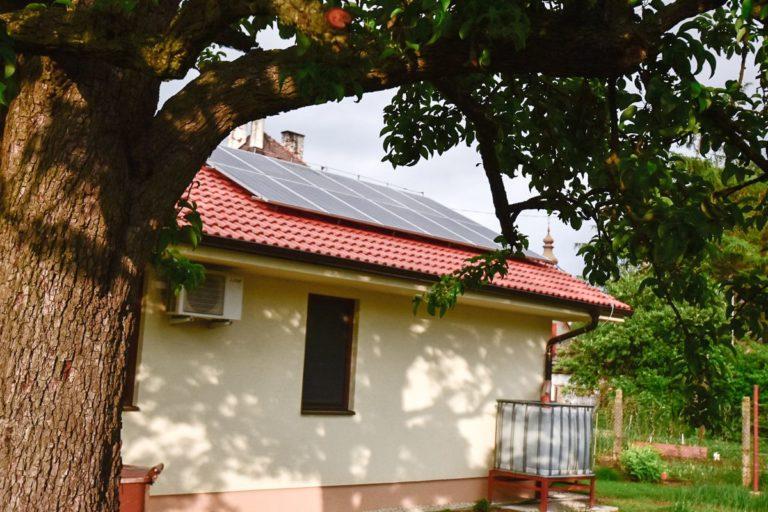 Fotovoltické panely na rodinnom dome v Hlohovci 03