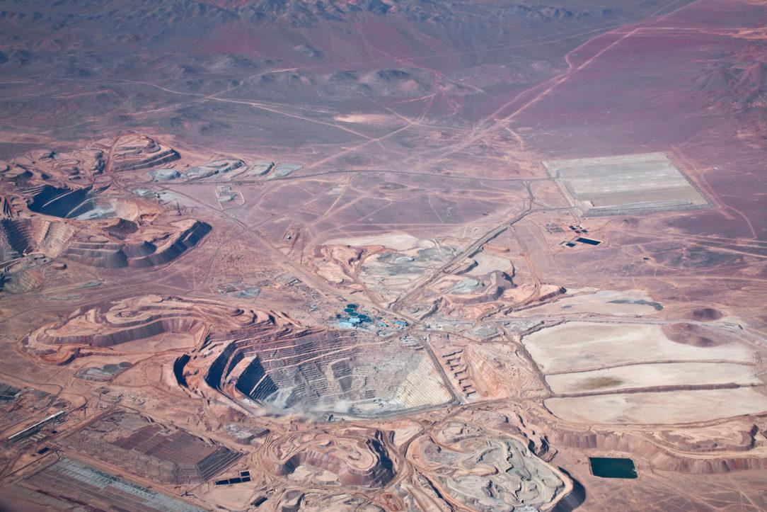 Ťažba medenej rudy v Čile
