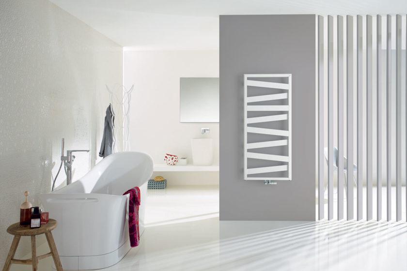 Jedinečné dizajnové radiátory Zehnder vašu kúpeľňu nielen príjemne vyhrejú, ale vytvorí ju krajšou. Niet sa čomu čudovať, veď na ich návrhu sa podieľal rada známych dizajnérov, ako napríklad známe duo King & Miranda, tvorcovia bestselleru Zehnder Kazeane.