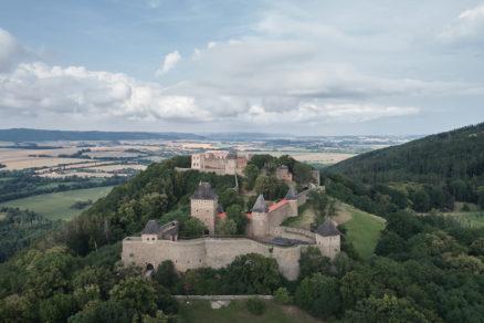 Hrad Helfštýn stojí uprostred nádhernej prírody strednej Moravy.