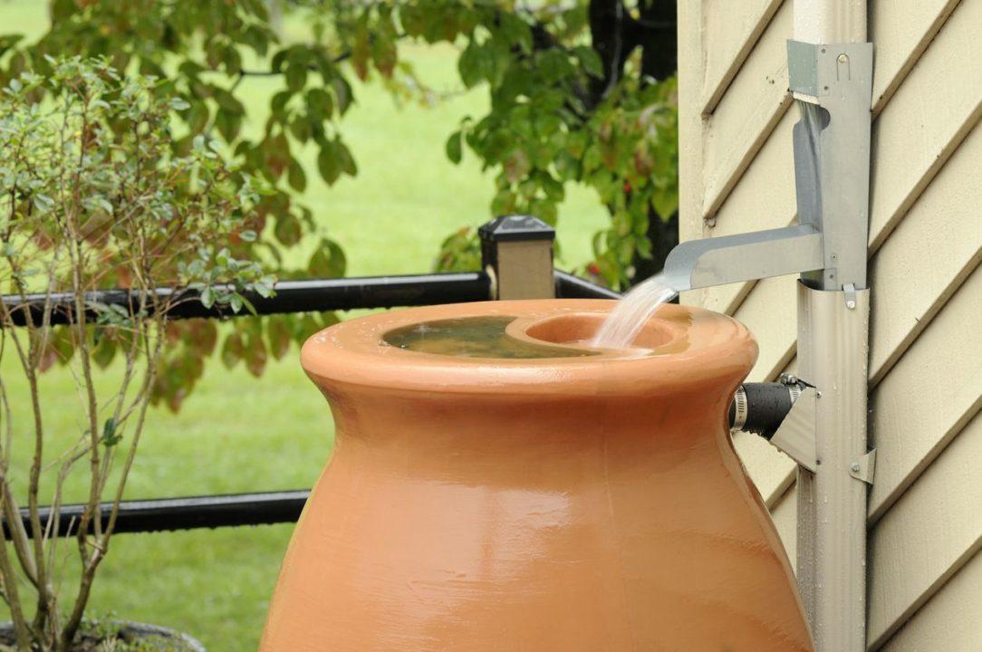Sud na dažďovú vodu s prepadom