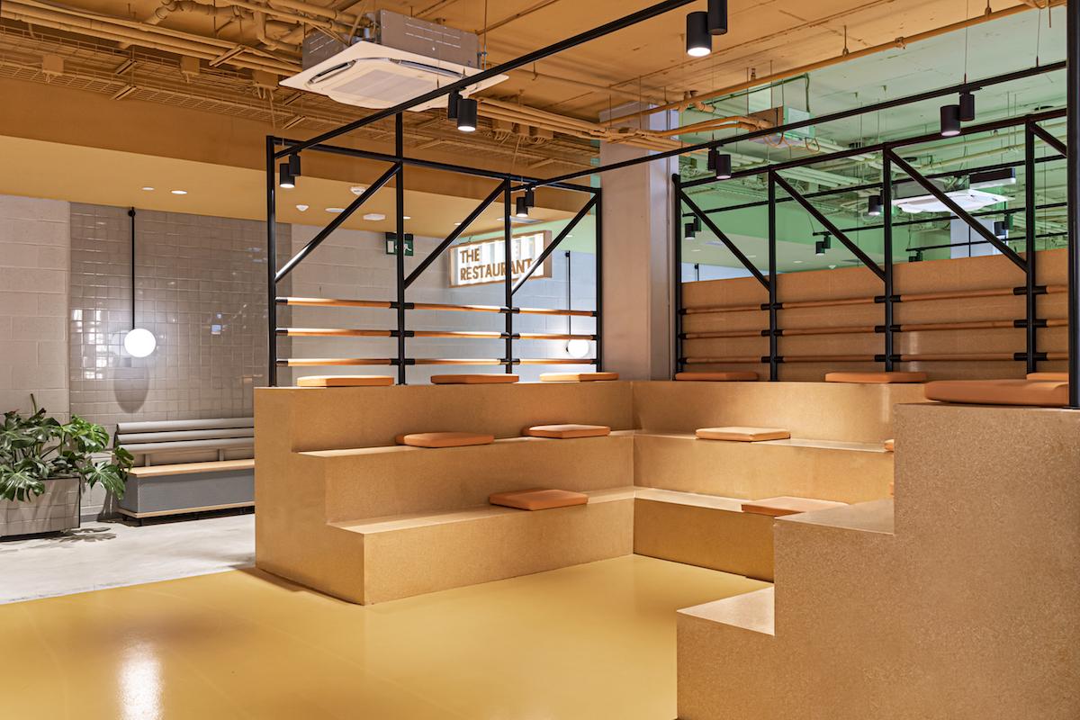Charakter priestorov podporuje stretávanie sa.