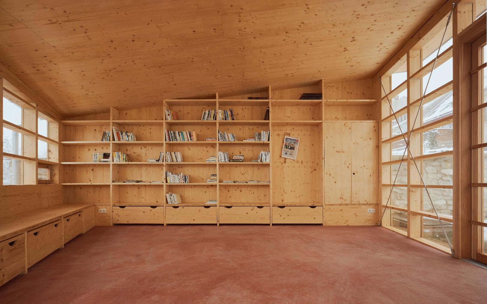 Altán mestskej knižnice ve Vamberku.