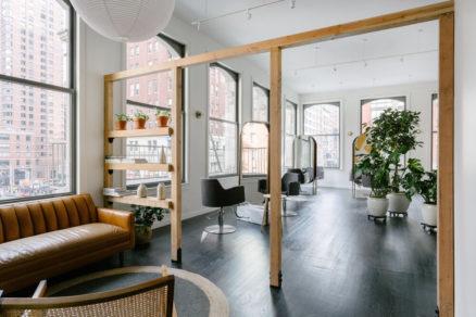 Podkrovie historickej budovy v NY premenené na coworkingový priestor.