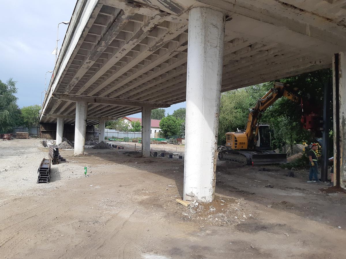 realizácia záporového paženia stavebných jám