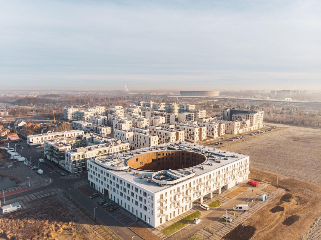 Sídlisko Nowe Żerniki v leteckom pohľade. Výsledok desaťročnej práce viac ako štyridsiatich architektov a mnohých workshopov s obyvateľmi.