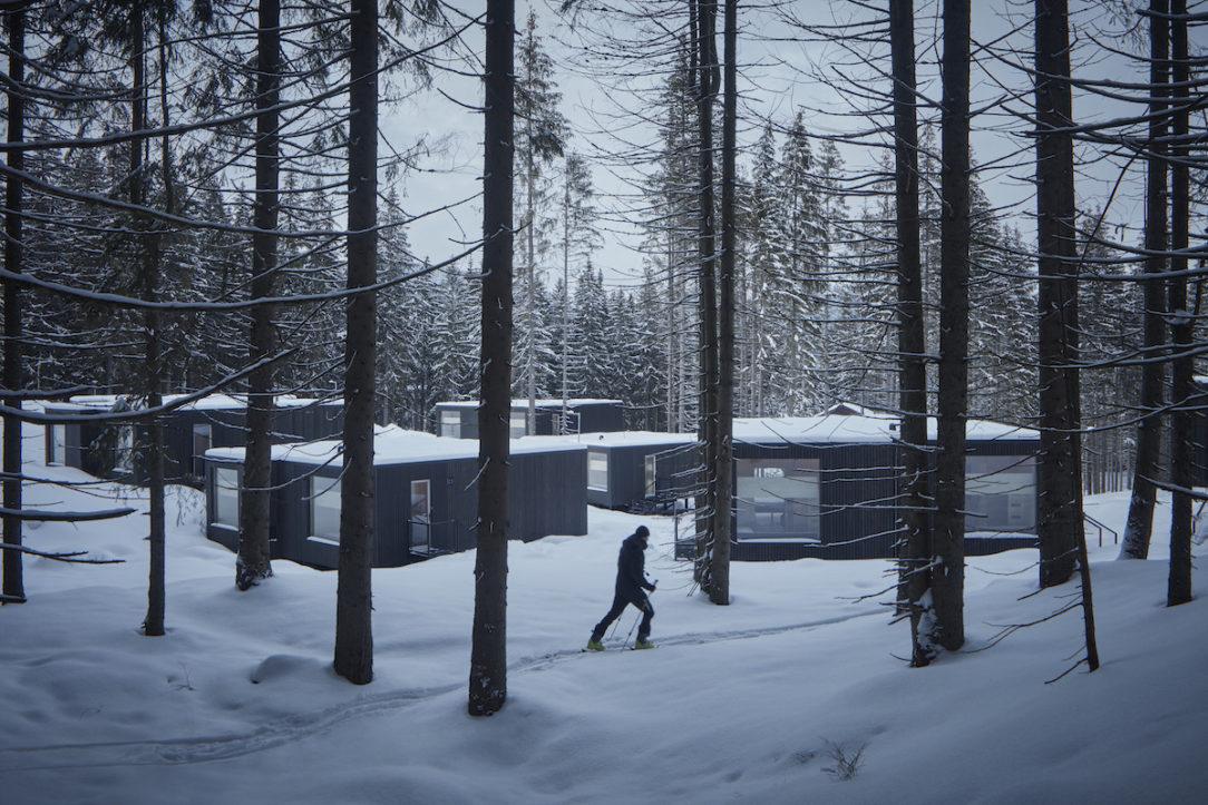Sheltery sú situované tesne pri zjazdovke aj na skok do lesa na bežkárske trate.