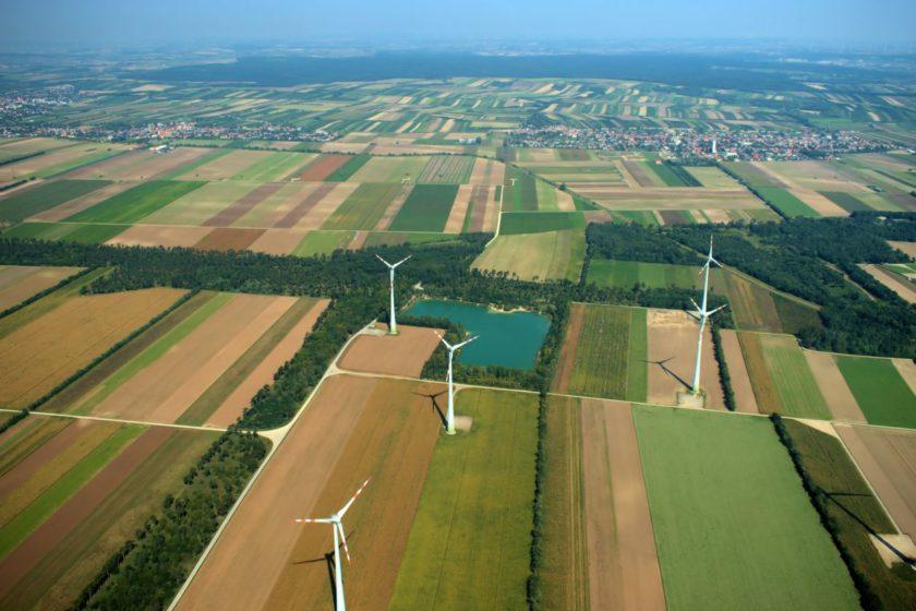 Veterné turbíny v Rakúsku pri Viedni