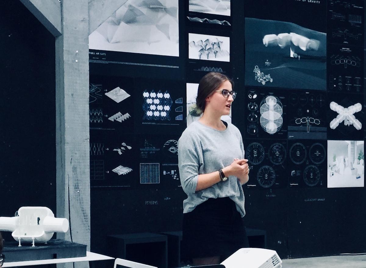 Virtuálne štúdio, VŠVU, Bratislava, prezentácia, nemocnica na Mesiaci, Mirka Grožáková, 2019.