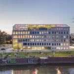 Takto vyzerá najlepšia administratívna budova za uplynulý rok.