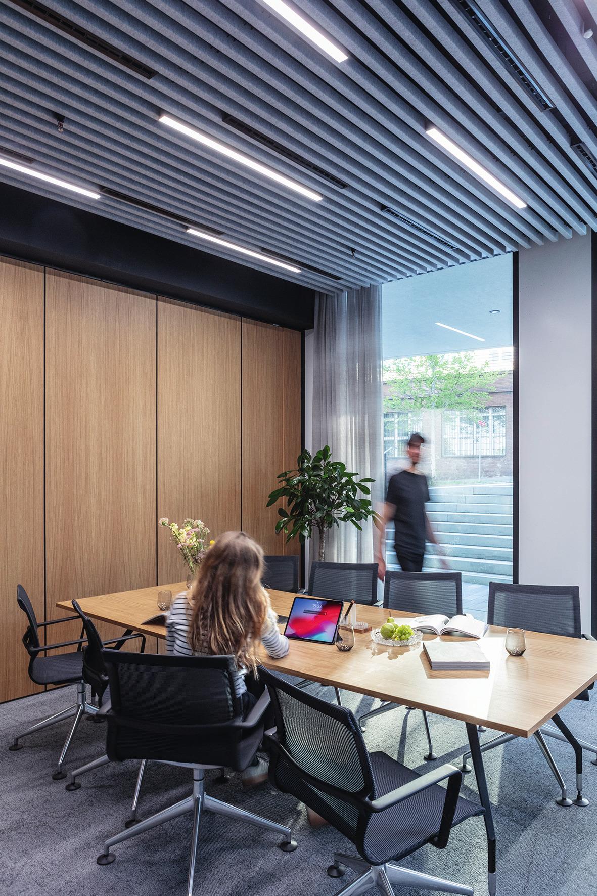 Kancelárie a zasadacie miestnosti podporujú sústredenosť.