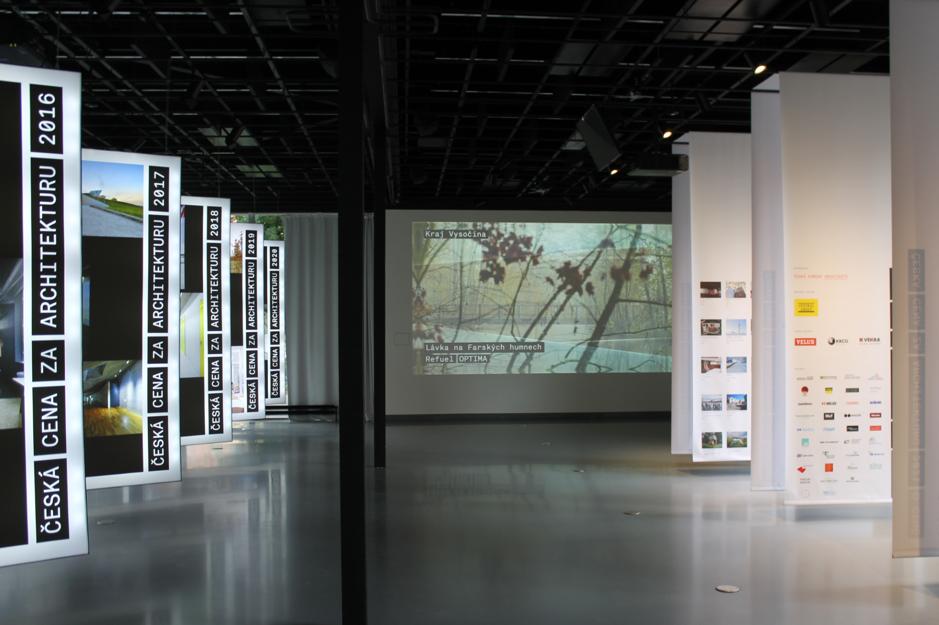 Výstava víťazov Českej ceny za architektúru, ktorá sa tiež nachádza ako jedna z expozícií v CAMP-e.