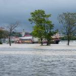 Zaplavené Tyršovo nábrežie v roku 2013.