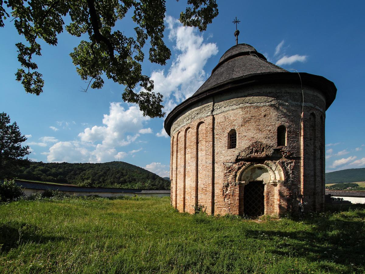 Rotunda sv. Margity Antiochijskej v Šiveticiach pochádza z 13. storočia.