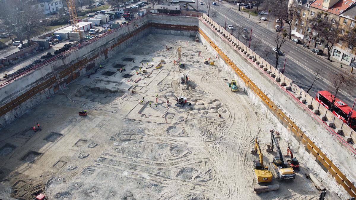 Obr. 6 Pohľad na zapaženú stavebnú jamu