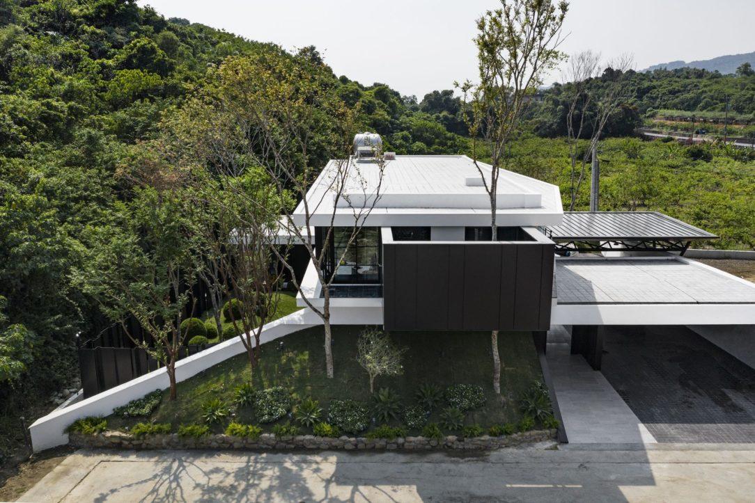 Dom okolo prírody.