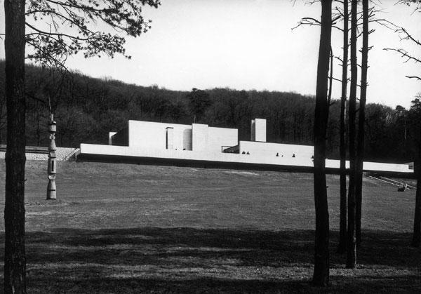 5b9959a4f Bratislavské krematórium je asi dotiahnutím tejto koncepcie do dokonalosti.  Ako vznikal jeho koncept?