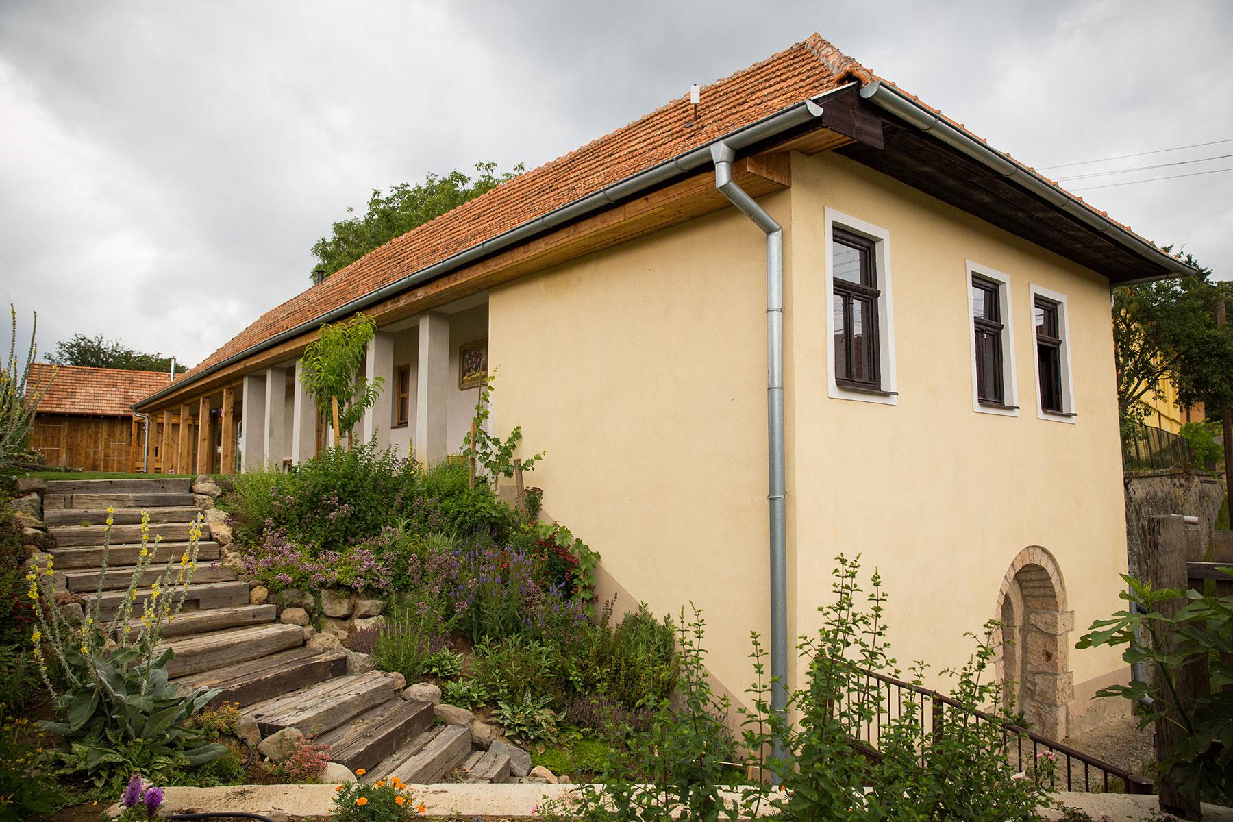 Povodny dom s pristavbou autor Lubos Dobias