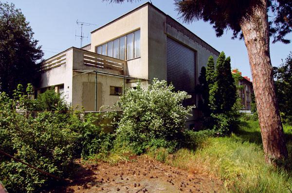 Adolf Drexler: Bytové domy v Zlatých Moravciach