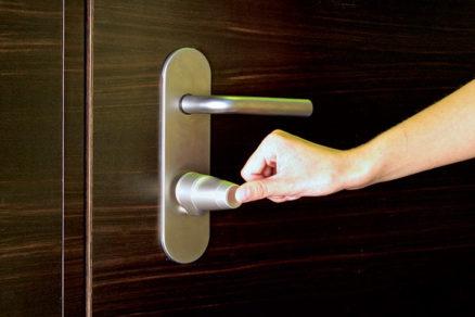 anketa na temu dvere cisty dizajn a viac centimetrov