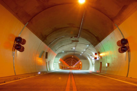 Bezpečnosť tunelov zpohľadu požiarneho núdzového osvetlenia