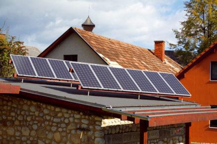 Diskusia o podmienkach pre malých producentov elektriny z fotovoltiky