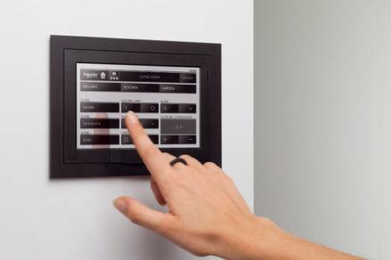 Elektroinštalácia na kľúč – od vypínačov po inteligentný dom