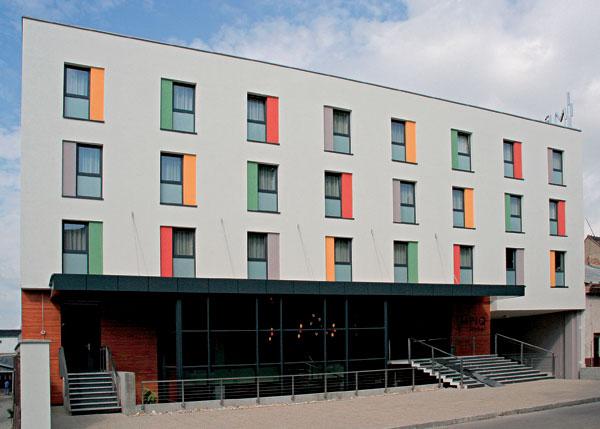 Hotel Impiq: Čisté tvary, svetlé farby, prehľadná dispozícia