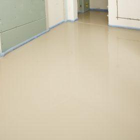 Aplikácia nivelizačného poteru na podlahové vykurovanie