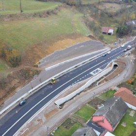 Rekonštrukcia cesty I/65 a úprava Kremnického potoka