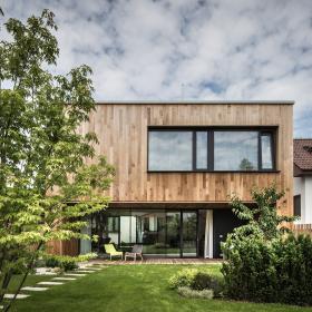 Mierny svah môže byť pozitívom pre stavbu domu