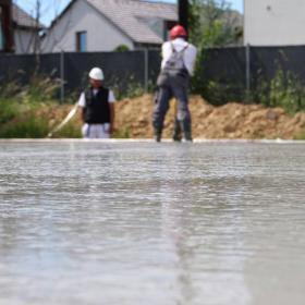 Ako sa vyhnúť veľkej prácnosti pri betonáži
